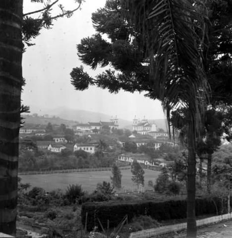 Campo do Guarani visto do antigo Seminário Menor (atual ICHS), 1960.Foto Gui Mazonni, Acervo Sylvio de Vasconcelos, cedida por Margareth Veisac Marton
