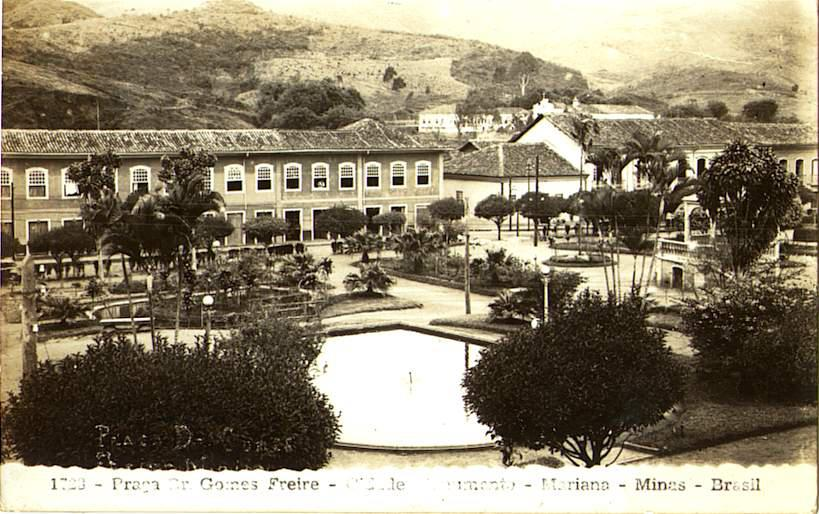 """Praça Gomes Freire, conhecida como Jardim. Foto cedida por Margareth Veisac Marton, com indicação de data """"primeira metade do século XX"""